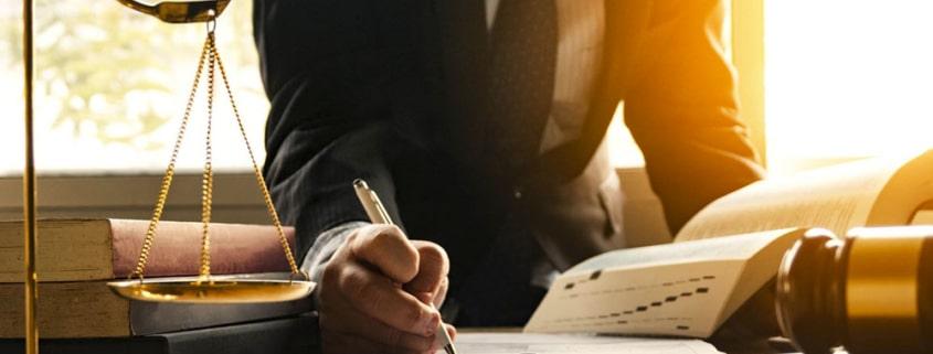 calcular la minuta de un abogado